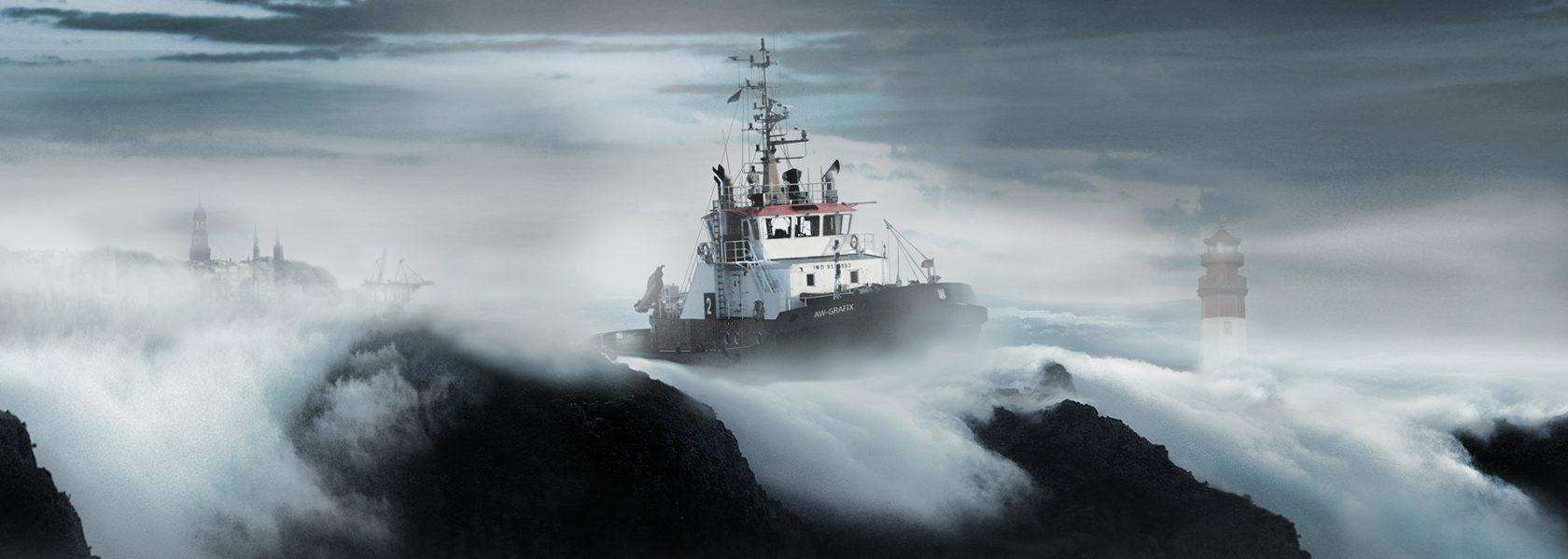 Schlepper auf Wolkenmeer